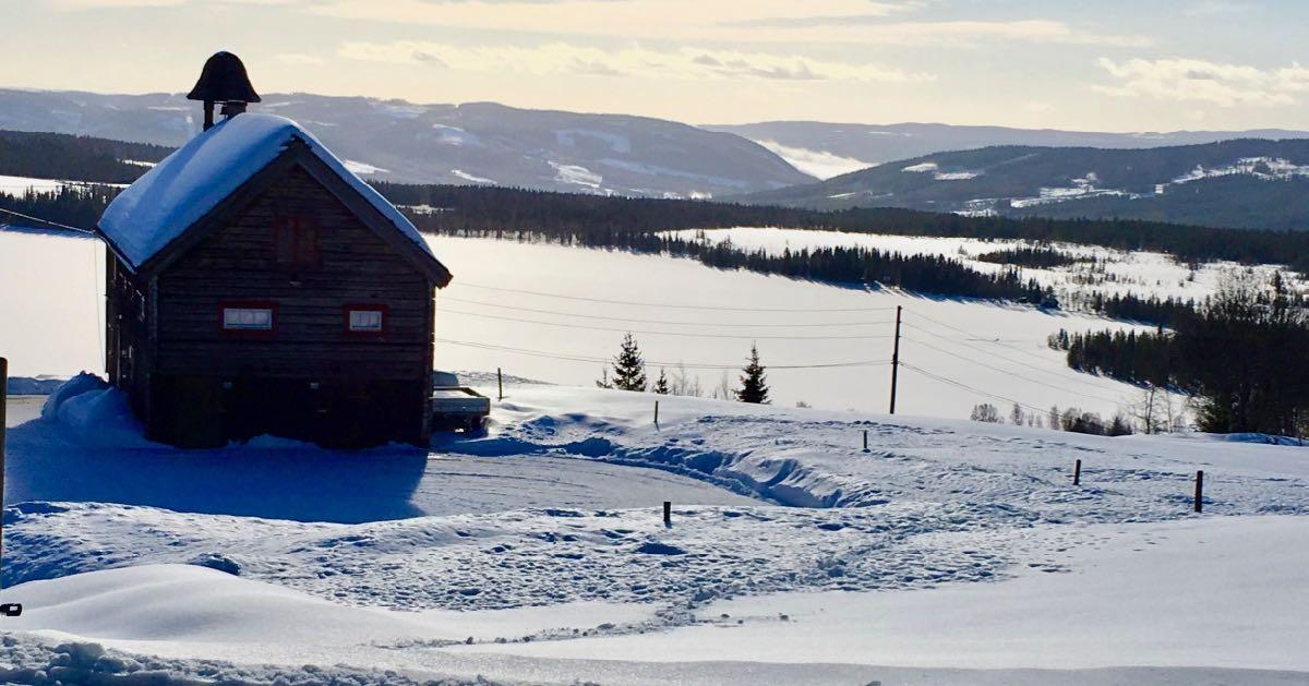 Stabburet hytte til leie med Ullsjøen bak
