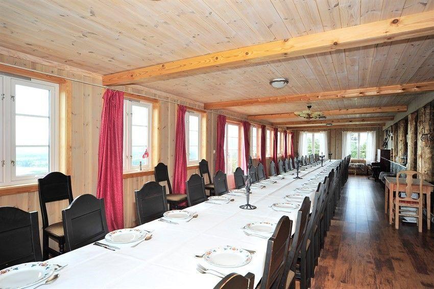 Spisesalen på utleiehytta Ullsaker Panorama